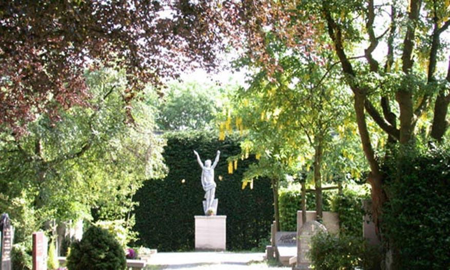uitvaart1001lichtjes-kapel-herinnering-begraafplaats-grafmonument2.jpg